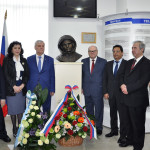 Бюст Гагарину в Ташкенте9
